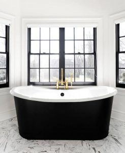 Black and white bathrooms are a trend