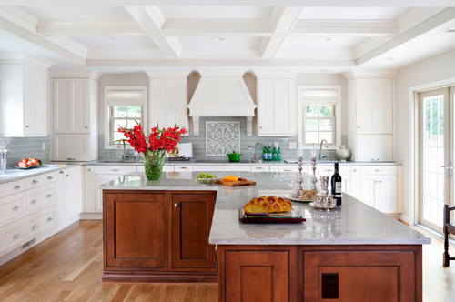 Also for large kitchens; an L-shaped kitchen island