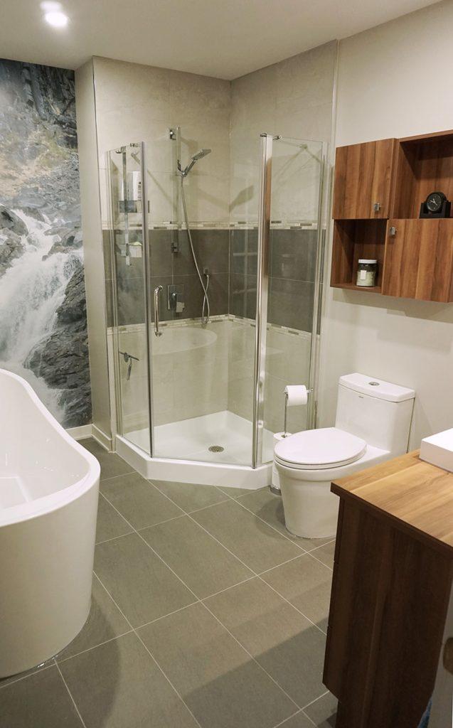 Full Bathroom Renovation in Candiac, Quebec