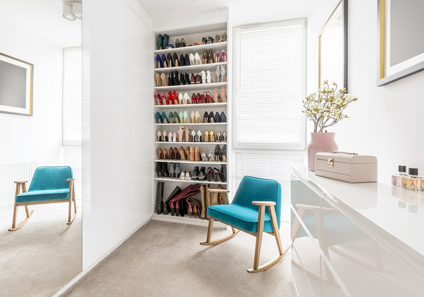 Get your clothes organized with Versa Style Design