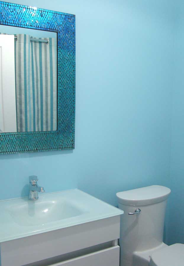 Bathroom Make-Over in Saint-Henri