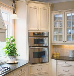 kitchen storage ideas - upper corner cabinets